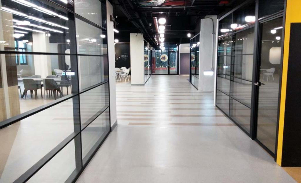 無縫地毯-中興大學雲平樓圖書館